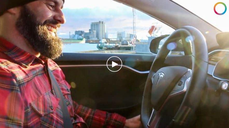Häng med när 24Kalmar och Tobias Klintheim testar elbilen Tesla Model S 70D